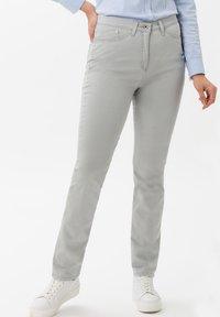 BRAX - STYLE LAURA TOUCH - Pantalon classique - smoke - 0