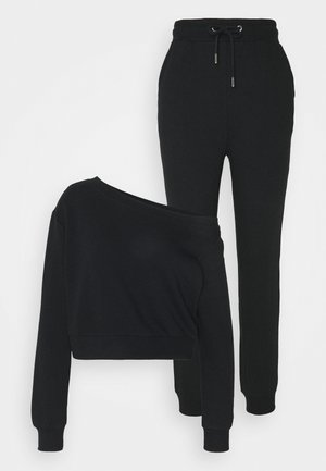 SET - Off Shoulder Sweatshirt with Jogger - Sweater - black