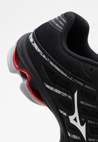 Mizuno - WAVE VOLTAGE - Volleyballsko - black/white - 5