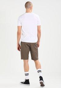 Volcom - FRICKIN MODERN - Shorts - mushroom - 2