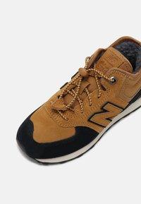 New Balance - Baskets basses - camel - 6
