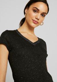 Morgan - DALI - T-shirt imprimé - noir - 5
