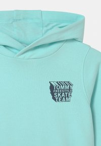 Tommy Hilfiger - COOL GRAPHIC HOODIE - Sweater - frost blue - 2