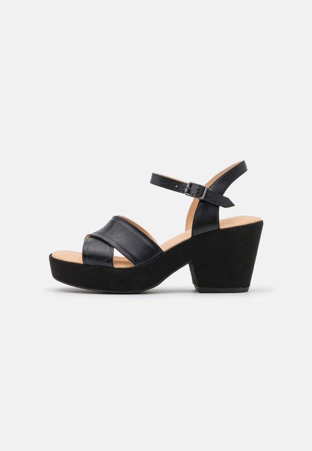 MARITSA STRAP - Sandali con plateau - black