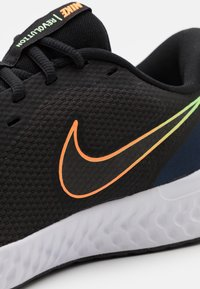 Nike Performance - REVOLUTION 5 - Scarpe running neutre - black/atomic orange/obsidian/white/lime glow - 5