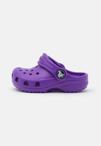 CLASSIC - Mules - neon purple