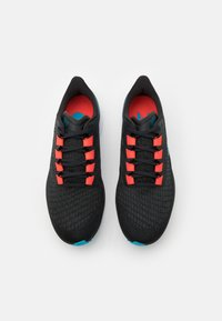 Nike Performance - AIR ZOOM PEGASUS 37 - Zapatillas de running neutras - off noir/light blue fury/bright crimson - 3