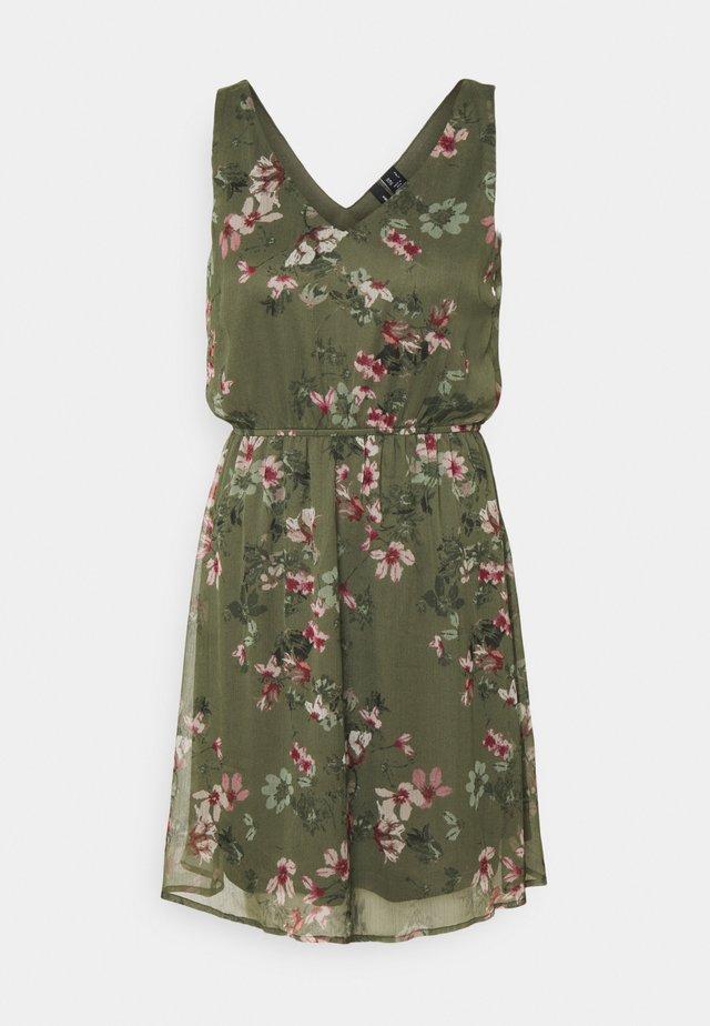 VMWONDA NEW SINGLET SHORT DRESS - Freizeitkleid - kalamata/liva