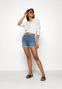 Madewell - ROADTRIPPER - Denim shorts - pollard wash