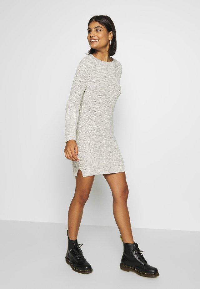NMSIESTA O-NECK DRESS - Jumper dress - oatmeal