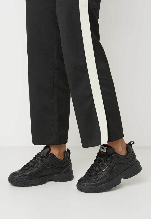 IVY - Sneakersy niskie - black/black