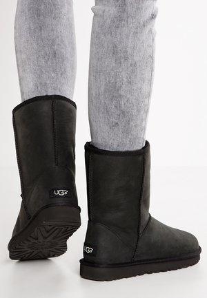 CLASSIC  - Vinterstøvler - black