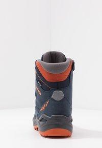 Lowa - JONAS GTX MID UNISEX - Winter boots - blau/orange - 4