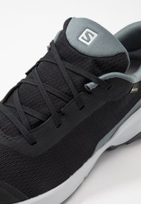 Salomon - X REVEAL GTX  - Hiking shoes - black/stormy weather/ebony - 5