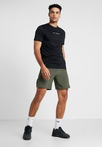 Nike Performance - VENT MAX - Sports shorts - cargo khaki/black - 1