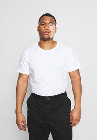 LTB - 3 PACK - Basic T-shirt - black/grey/white - 2