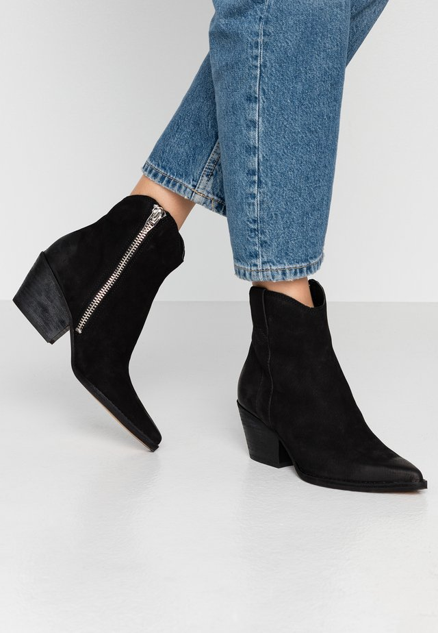 SERRA  - Cowboy/biker ankle boot - black