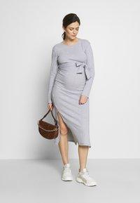 Missguided Maternity - SOFT SPLIT SIDE BELTED DRESS - Jerseykjoler - grey - 1
