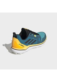 adidas Performance - TERREX AGRAVIC TRAIL RUNNING SHOES - Obuwie do biegania Szlak - turquoise - 4