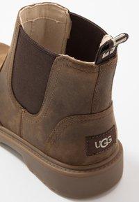 UGG - BOLDEN - Korte laarzen - walnut - 5