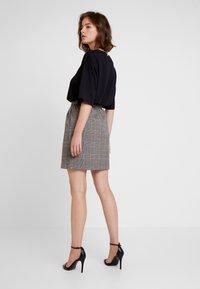 ONLY - ONLRIGIE SAVIL SKIRT - Mini skirt - light brown - 2