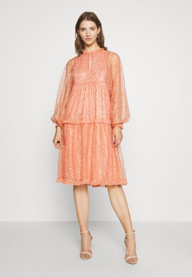 YASALLADINA DRESS - Robe de soirée - canteloupe
