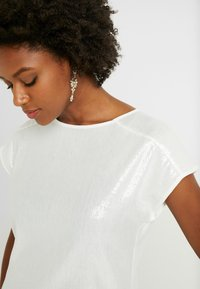 Dorothy Perkins Tall - SEQUIN TEE - Bluser - ivory - 5