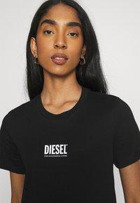 Diesel - T-SILY-SMALLLOGO - Print T-shirt - black - 3