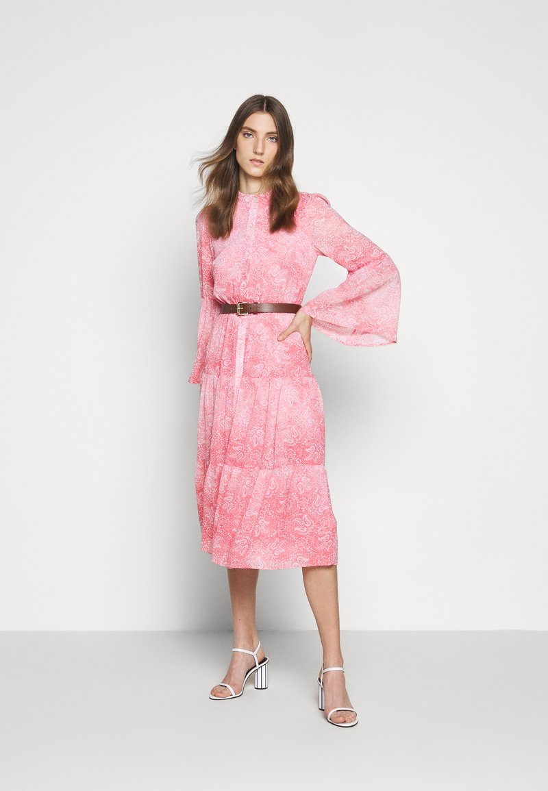 MICHAEL Michael Kors - SUNBLCHED MIDI DRESS - Shirt dress - geranium