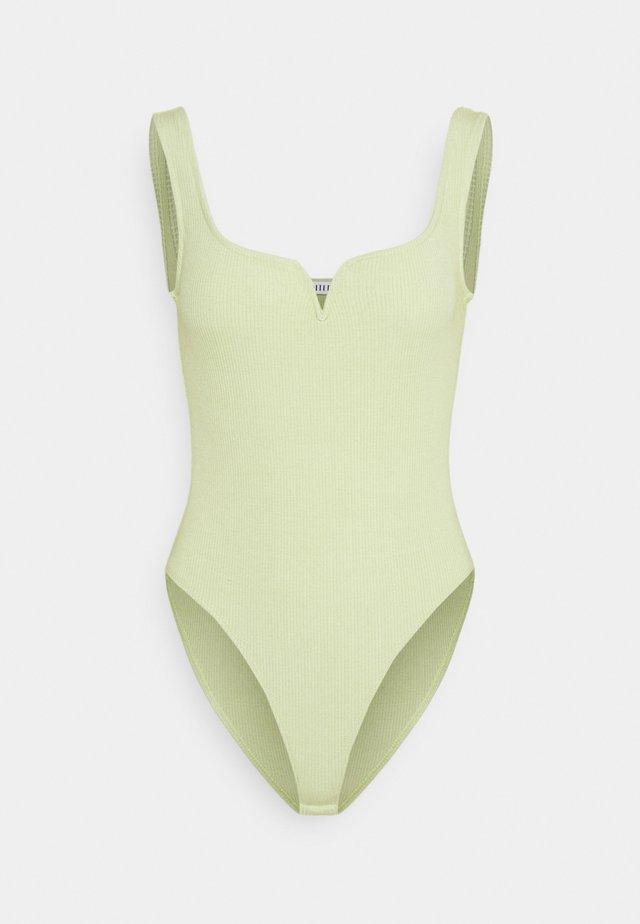 AYLA - Top - beechnut green