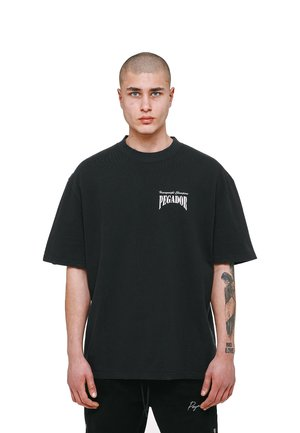 EVANDER  USED LOOK - Triko spotiskem - vintage black