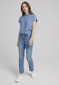 TOM TAILOR DENIM - LIGHT DENIM SHORTSLEEVE - Print T-shirt - used light stone blue denim - 1