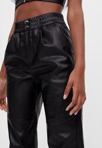 Bershka - Pantalon classique - black - 3