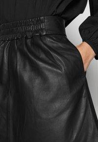 Second Female - MELVIN MINI SKIRT - Áčková sukně - black - 4