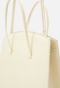 Little Liffner - MINIMAL MINI TOTE - Handbag - light beige - 6