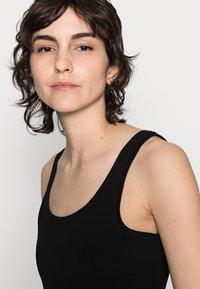 Anna Field - 3 PACK - Topper - black/white /khaki - 4
