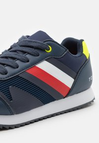Tommy Hilfiger - Tenisky - blue/yellow fluo - 5