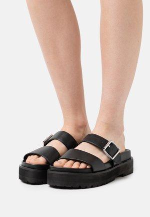 VEGAN RAYA - Pantofle - black