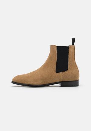 METROPOLITAN  CHELSEA BOOT - Classic ankle boots - peanut