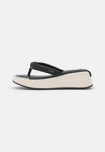 MAERYN THONG  - T-bar sandals - black