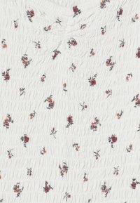 Abercrombie & Fitch - SMOCKED ROMPER - Tuta jumpsuit - white - 2