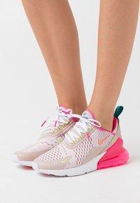 Nike Sportswear - AIR MAX 270 - Tenisky - barely rose/atomic pink/ston mauve - 0