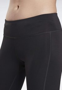 Reebok - RUNNING ESSENTIALS LEGGINGS - Leggings - black