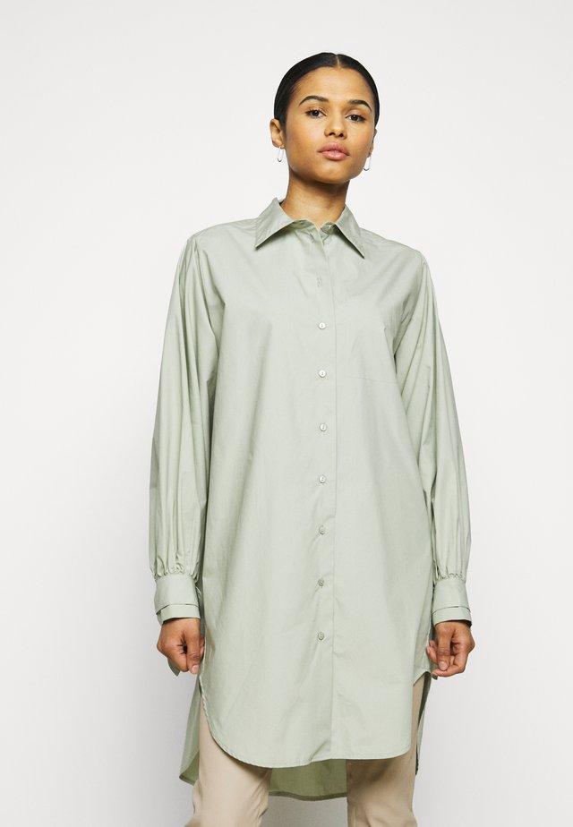STEVE THINKTWICE - Button-down blouse - desert sage