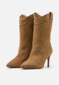 Pura Lopez - Cowboy/Biker boots - beige - 2