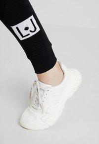 Liu Jo Jeans - PANT LUNGO - Pantalon de survêtement - nero - 4