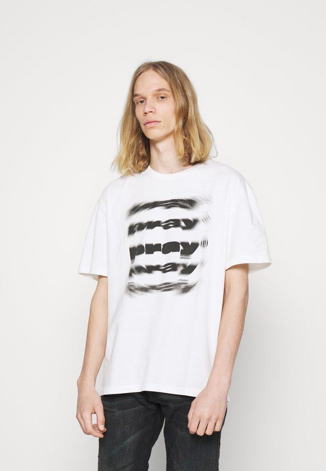 FADE UNISEX  - Print T-shirt - off white