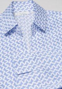 Eterna - MODERN CLASSIC - Button-down blouse - light blue/white - 4