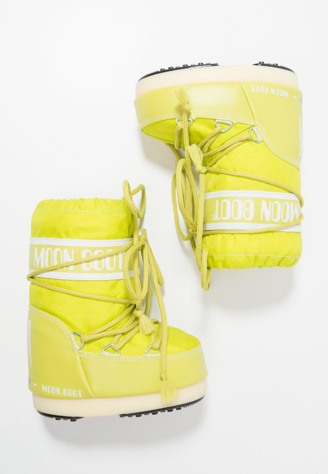 Winter boots - lime