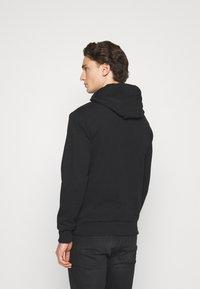 Calvin Klein - LOGO EMBROIDERY HOODIE - Hoodie - black - 2